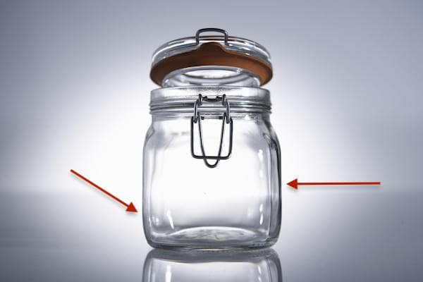 barattolo-vetro-traslucenza-scura